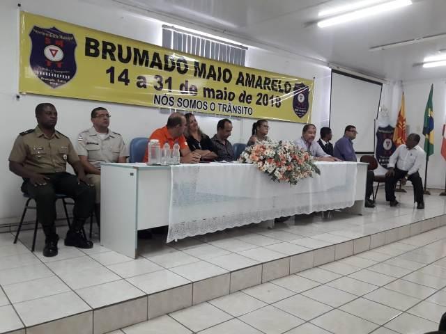 """Campanha """"Maio Amarelo"""" é iniciada em Brumado; Tiro-de-Guerra 06-024 participou da abertura"""