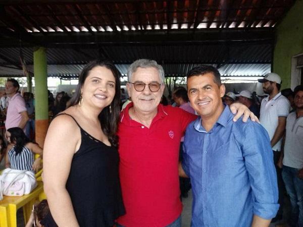 Prefeito de Guajeru participa de Feira da Agricultura Familiar em Malhada de Pedras