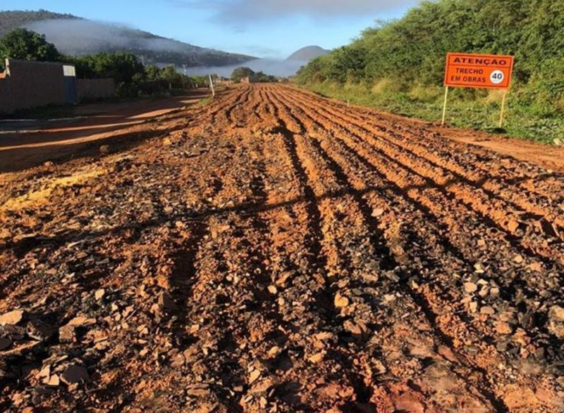 Tem início as obras de recuperação da BA-142, trecho Tanhaçu-Ituaçu