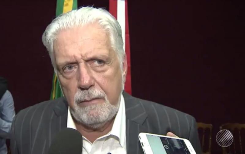 Ministério Público entra com ação de improbidade contra Jaques Wagner por nomeação nos EUA