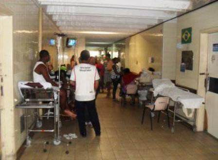 Médicos do Clériston Andrade entregam cargos em protesto contra trabalho precário