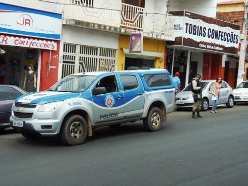 Policia responde a ação de bandidos realizando operação do centro da cidade