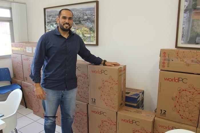 Secretaria de saúde de Brumado recebe 42 computadores para descentralizar atendimentos na central de marcação