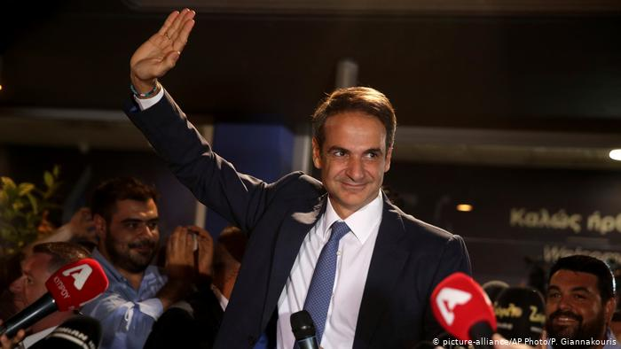 Partido conservador vence e tira esquerda do poder na Grécia