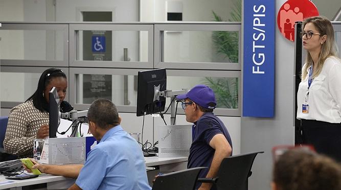 Calendário PIS-Pasep 2017-2018: 2,2 milhões ainda não sacaram; prazo termina dia 29