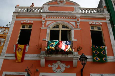 Independência da Bahia comemora 191 anos e faz mesmo cortejo das tropas libertadoras