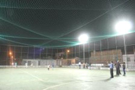 Quadra poliesportiva do Bairro Baraúnas é entregue à comunidade