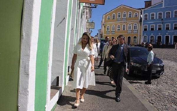 Vice-primeira-dama Paula Mourão visita Centro Histórico de Salvador