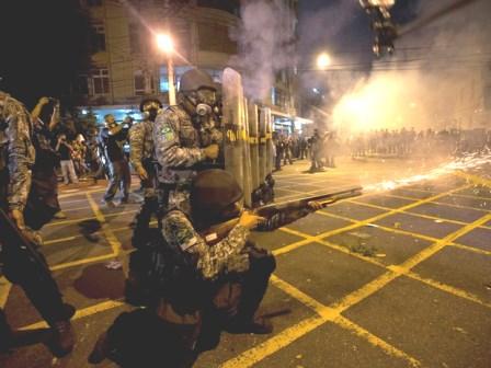 Governo cria tropa de choque de 10 mil homens para protestos na Copa