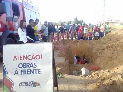 Homem morre ao cair em buraco