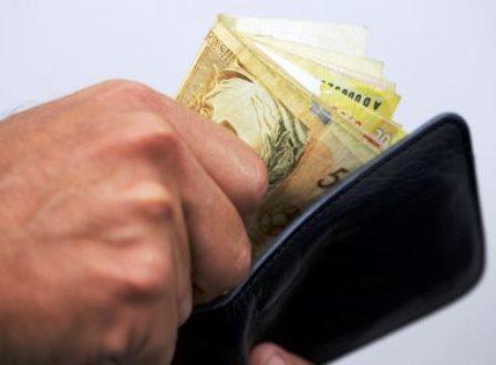 Alemanha recomenda que turistas levem 'dinheiro do ladrão' na Copa