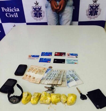 Jequié: Homem é preso com drogas e diversos cartões de créditos