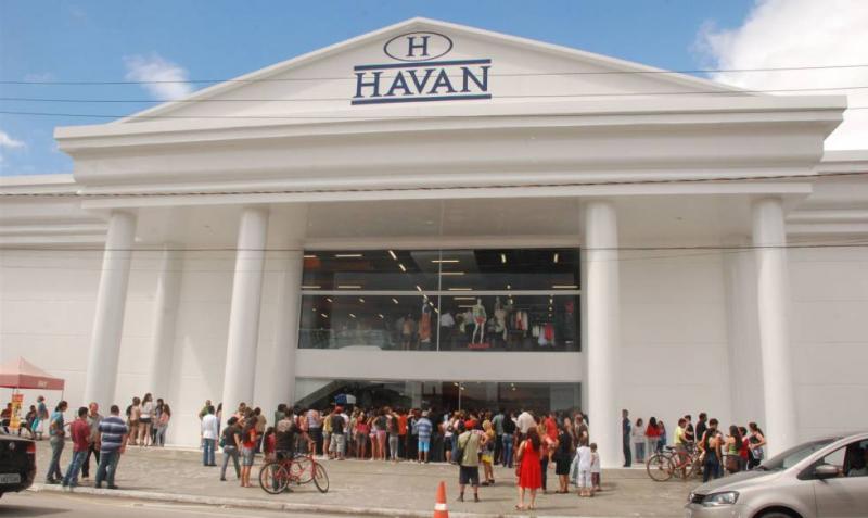 TSE manda tirar do Facebook vídeo pró-Bolsonaro de dono da Havan