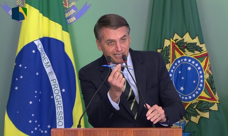 Governo publica novo decreto sobre armas e veta porte de fuzil ao cidadão comum