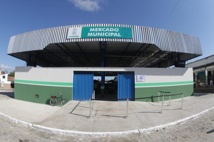 Reforma do Mercado Municipal de Itagimirim beneficia 200 famílias de pequenos agricultores