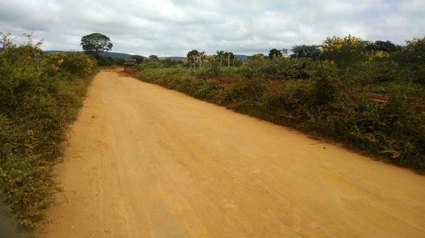 Prefeitura de Rio do Antônio retoma recuperação das estradas vicinais no município