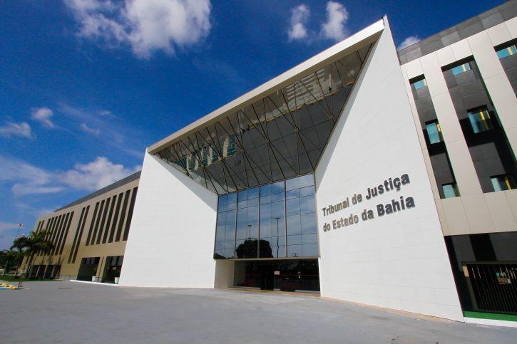 Tribunal de Justiça do estado da Bahia suspende expediente devido à greve e a escassez de combustíveis