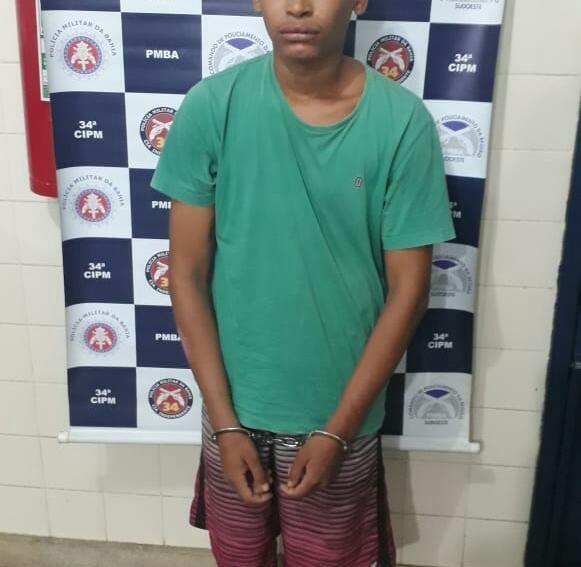 Jovem é preso pela Polícia Militar após realizar roubos em Brumado