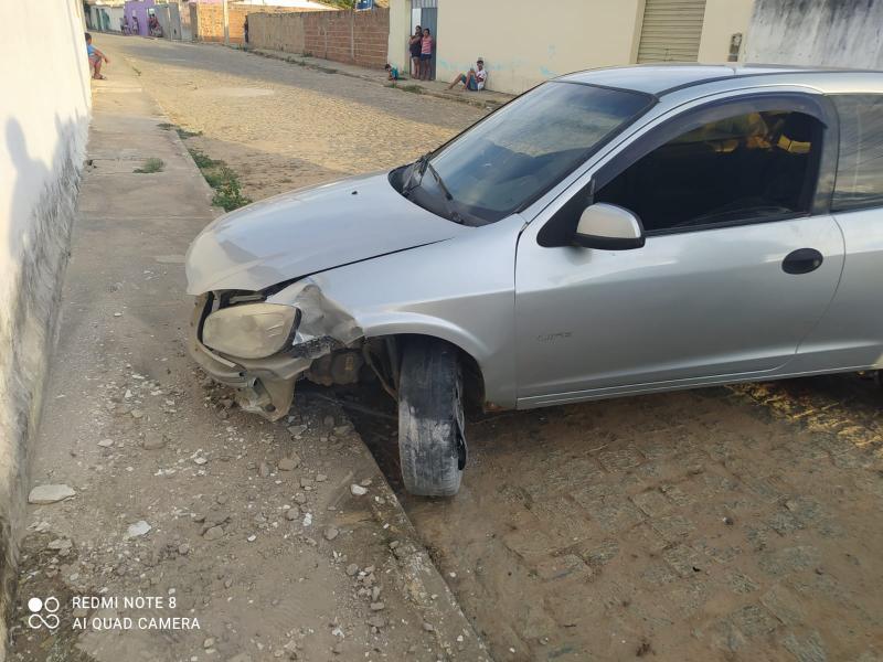 Maetinga: Homem é detido após conduzir veículo alcoolizado e causar acidente; veículo foi retirado de forma irregular de lava jato