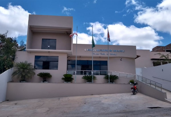 Aracatu: TCM autoriza execução orçamentária que presidente do Legislativo e oposicionistas articularam contra obras nas comunidades de Piabanha e Várzea da Pedra
