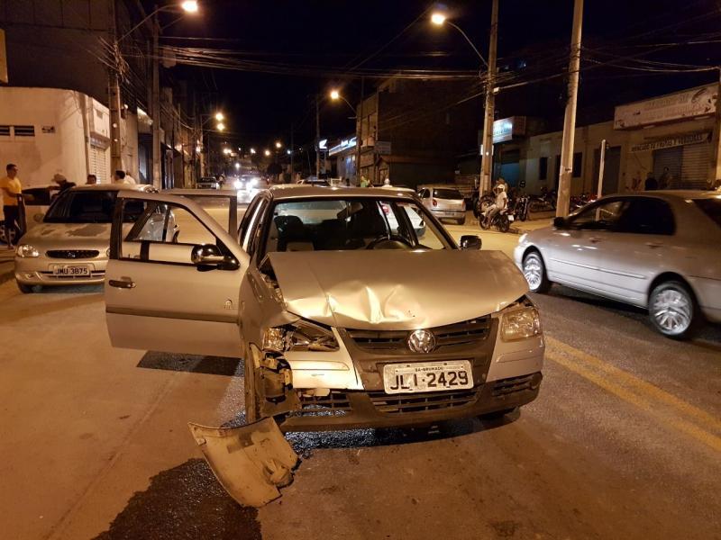 Acidente envolvendo dois veículos é registrado na Coronel Santos em Brumado