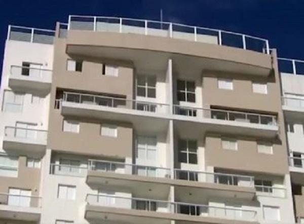 Tríplex do Guarujá recebe primeiro lance; leilão encerra nesta terça