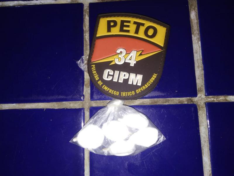 Jovens são detidos após dispensarem substâncias ilícitas no bairro São Jorge