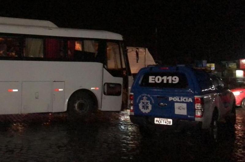 Mais de 180 quilos de maconha são apreendidos em ônibus clandestino na BR-116