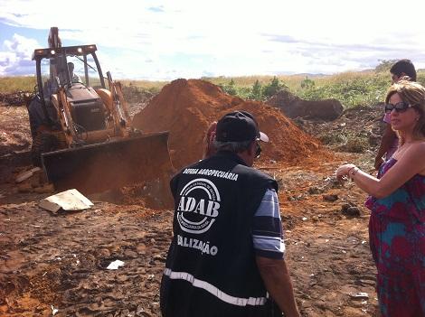 Duas toneladas de frango estragado são apreendidas e destruídas pela ADAB