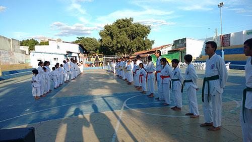 Sob o comando de Arlen Andrade, atletas de Brumado e Guajeru participarão do Brasileiro Karatê-dô Tradicional 2017