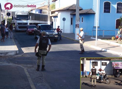 Policia realiza blitz em alguns pontos da cidade