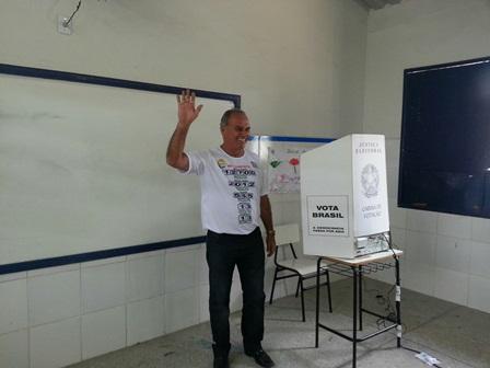 Eleições 2014: Prefeito Aguiberto Lima Dias confirma na urna o seu apoio a Rui Costa