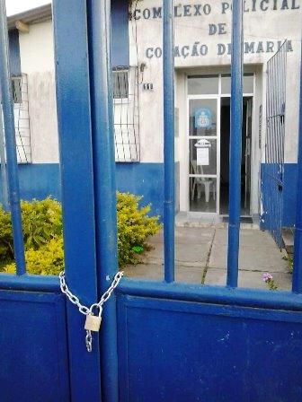 Coração de Maria: Bandidos acorrentam delegacia explodem bancos e ainda deixam bilhete