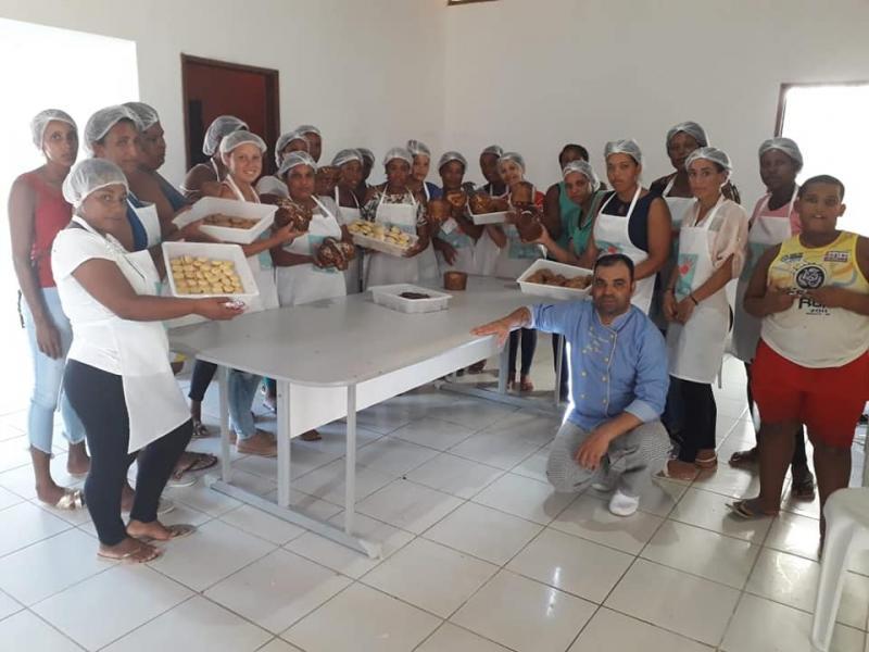 Secretaria de Assistência Social de Aracatu promove curso de Panificação para beneficiárias de programas