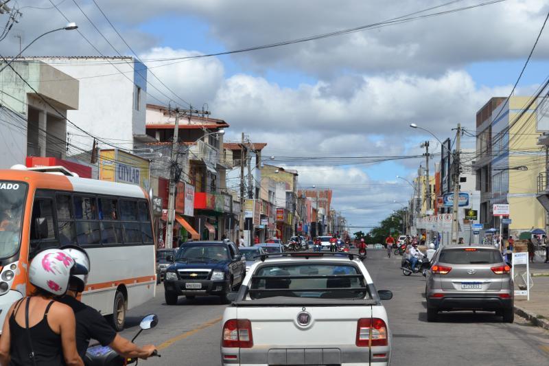Prefeitura e CDL de Brumado buscam suspender decisão que pede fechamento dos serviços não essenciais