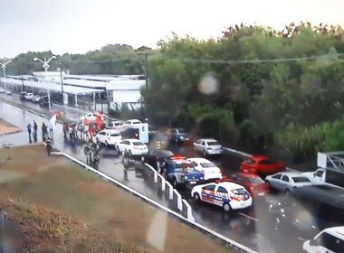 Julgamento de Lula: Manifestantes bloqueiam acesso ao Aeroporto de Salvador