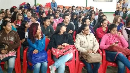 'Adab na Exposição' leva educação sanitária a escolas de Conquista