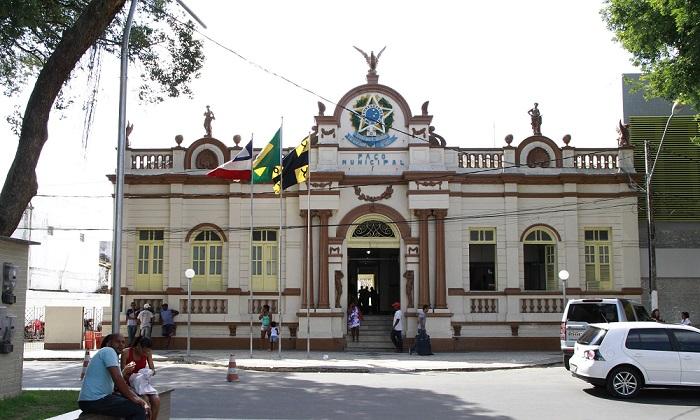 Prefeitura de Cruz da Almas abre concurso com 145 vagas para todos os níveis