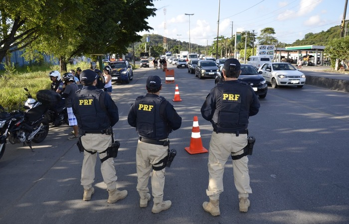 PRF registra queda de 50% no número de mortes durante feriado