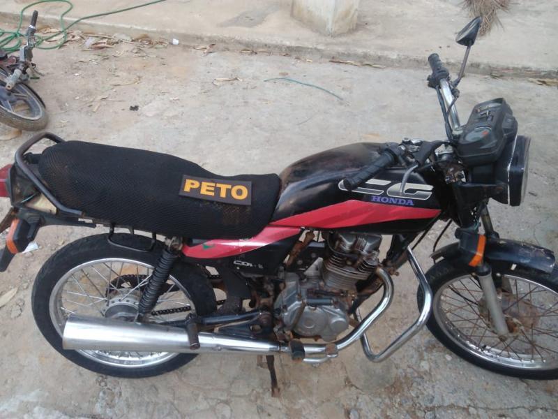 Brumado: Polícia Militar prende moto adulterada com placa falsa