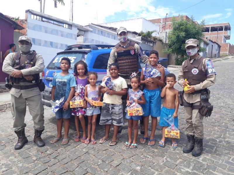 Sudoeste: Ronda Maria da Penha entregou ovos de páscoa para filhos de mulheres vítimas de violência