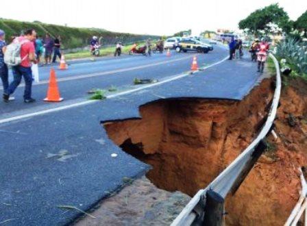 Santa Cruz Cabrália: Após chuvas, 200 famílias estão desabrigadas