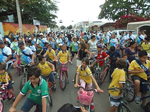 Escola Nossa Senhora de Fátima realiza passeio ciclístico em comemoração antecipada ao dia dos pais