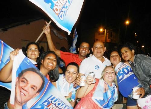 O empresário Davi e lideres de campanha comemorou o resultado de Luciano Ribeiro