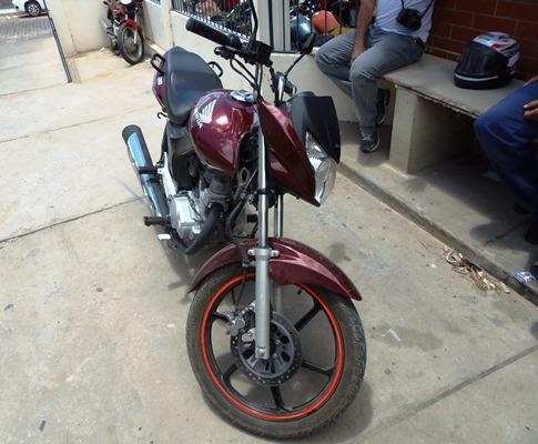 Mais uma motocicleta roubada é recuperada pela policia Militar