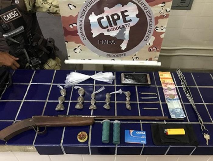 Morador de Brumado é preso com droga em Aracatu