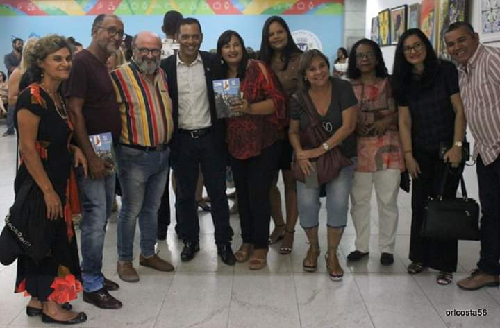 Escritora de Itaetê é homenageada no prêmio Giuliano Ottaviani em Salvador