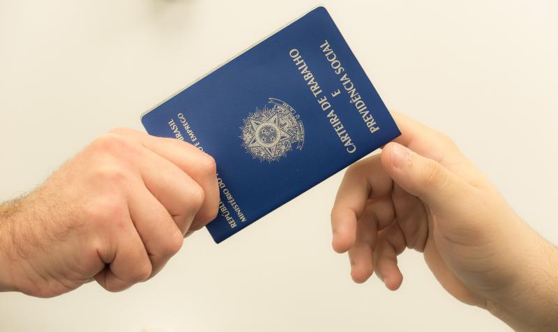 Bahia gera 2.569 postos de trabalho em março e lidera o Nordeste