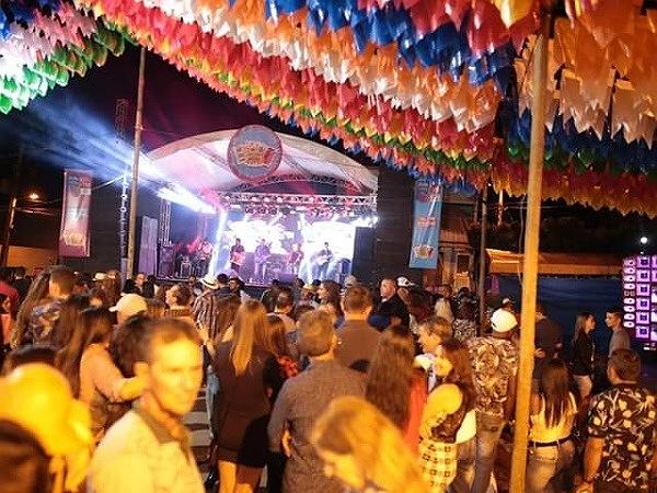 Primeira noite de festa do São João em Ibitira atrai grande público