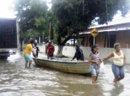 Santa Cruz de Cabrália deve pedir estado de emergência nesta terça